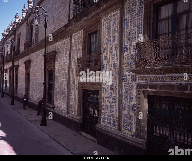 Sanborns mexico stock photos sanborns mexico stock for Sanborns azulejos restaurante