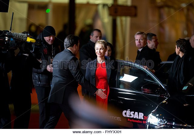 Paris, France. February 26th, 2016. FRANCE, Paris: French actress Emmanuelle Béart walks on the red carpet - Stock Image
