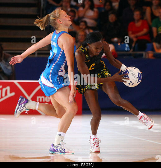 Claire Brownie (SCO) and Paula Thompson (JAM) in action. Jamaica v Scotland - Netball - SECC - Glasgow- PHOTO: Mandatory - Stock Image