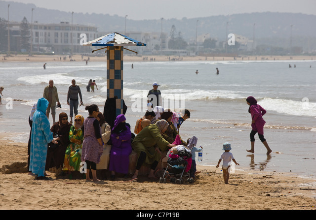 muslim single women in eau galle My take on widespread pedophilia in the muslim culture is that to tell them to love and respect women is jacques c et leveto,vous nous avez mis l'eau ã.