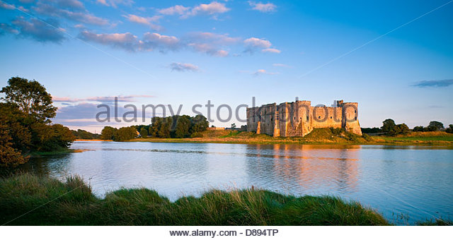Carew Castle Pembroke Pembrokeshire Wales - Stock-Bilder