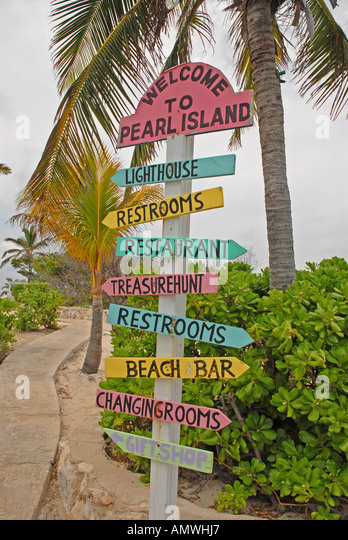 Bahamas Welcome to Pearl Island Sign off New Providence - Stock Image