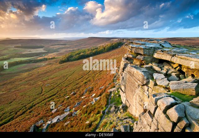Stanage Edge Looking Towards High Neb, Near Hathersage, Peak District National Park, Derbyshire, England, UK - Stock Image