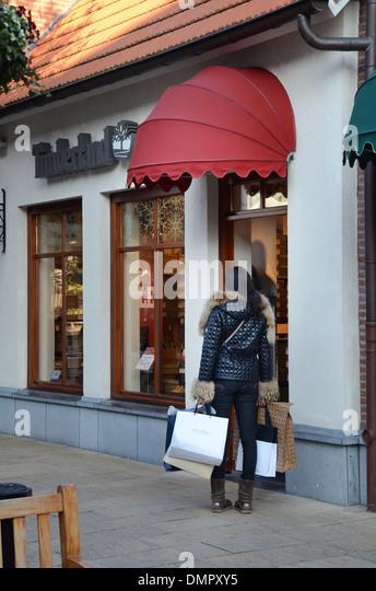 Mcarthur Glen Shoe Shops