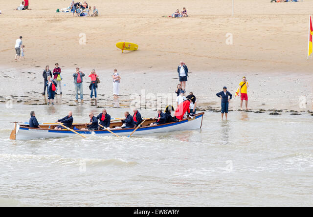 Broadstairs, Kent. 20th June, 2015. In commemoration of events after the Battle of Waterloo, a despatch is being - Stock Image