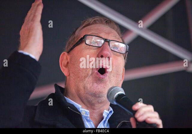 London, UK. 9th January, 2016. Len McCluskey, General Secretary of Unite, addresses the student nurses' rally - Stock Image