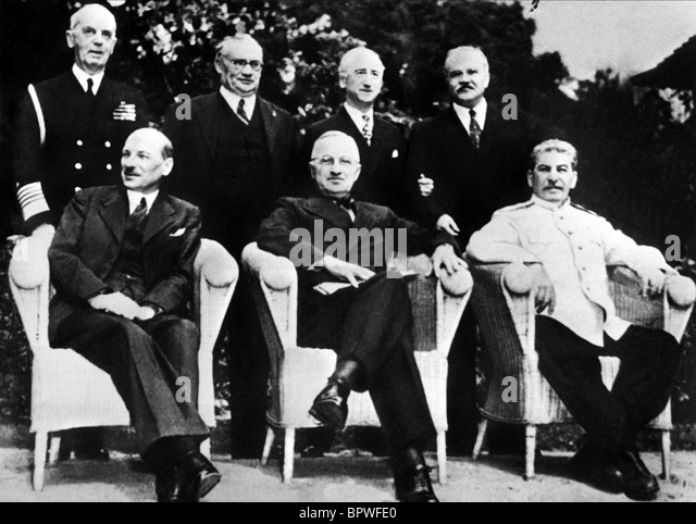 CLEMENT ATTLEE HARRY S. TRUMAN & JOSEPH STALIN ALLIED LEADERS 02 August 1945 CECILIENHOF - Stock Image