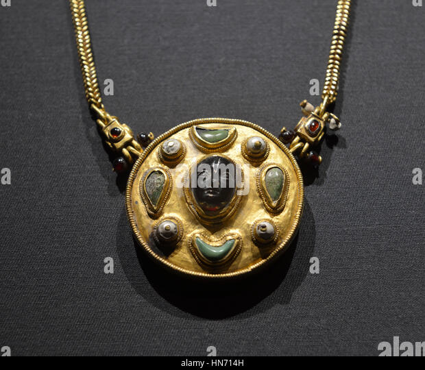 Necklace with cameo. Thaj, Tell al-Zayer. 1st century CE. Gold, pearls,turquoise, and ruby.National Museum, Riyadh. - Stock Image