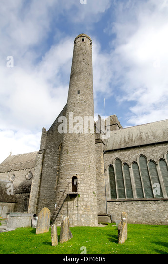 St Canice's Cathedral  or Kilkenny Cathedral and 9th -century Round Tower, oldest standing structure in Kilkenny - Stock Image