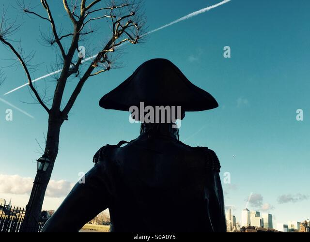 Statue of Lord nelson at greenwich London looking towards Canary Wharf. - Stock-Bilder