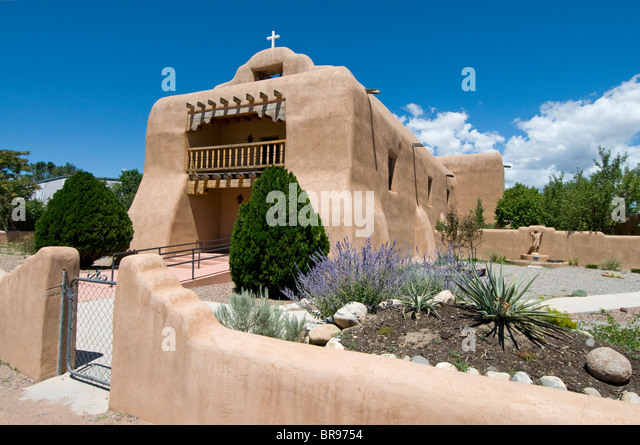 The adobe St. Thomas Church in Abiquiú New Mexico - Stock Image