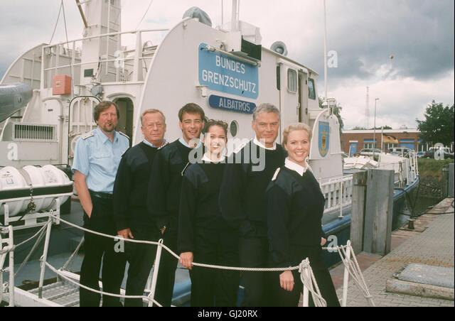 KÜSTENWACHE Es heisst wieder 'Leinen Los' für die Küstenwache. Gleich drei neue Mannschaftsmitglieder - Stock Image