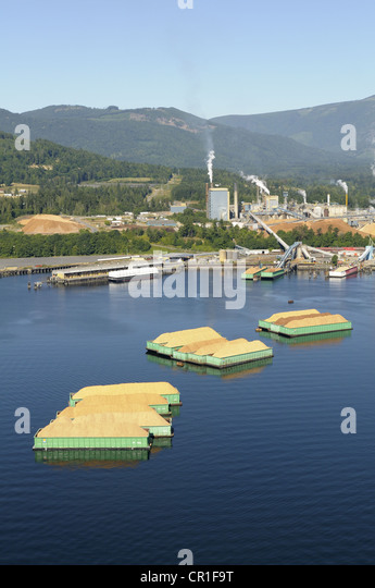 Aerial view of the Catalyst Paper Mill, Crofton, Vancouver Island, British Columbia, Canada - Stock Image