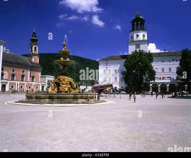 geography / travel, Austria, Salzburg, squares, Residenzplatz, fountain and Michaelskirche, exterior view, reversed - Stock Image
