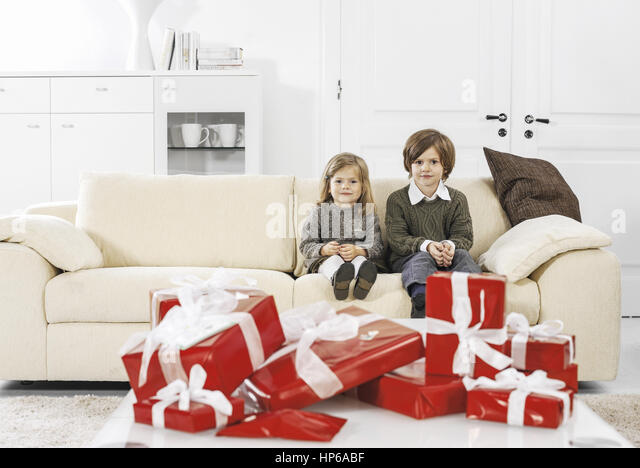 weihnachtspaeckchen stock photos weihnachtspaeckchen stock images alamy. Black Bedroom Furniture Sets. Home Design Ideas