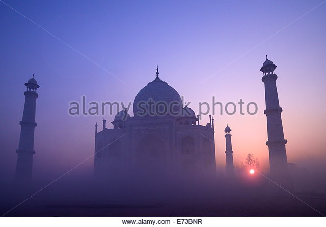 Taj Mahal at sunrise, UNESCO World Heritage Site, Agra, Uttar Pradesh, India, Asia - Stock-Bilder