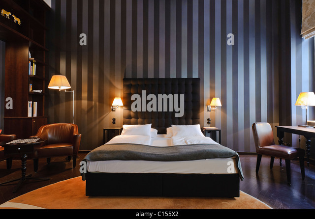 One of the various design rooms at this Vienna Boutique Hotel. Hotel Altstadt - Stock-Bilder