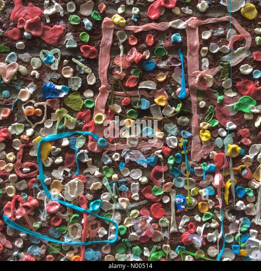 Seattle, Washington, USA. 08th Nov, 2015. Last day of the Gum Wall, a Seattle landmark since 1999, scheduled to - Stock Image