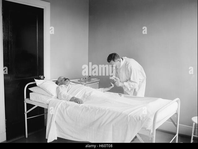 Vintage Doctor And Patient Stock Photos Amp Vintage Doctor
