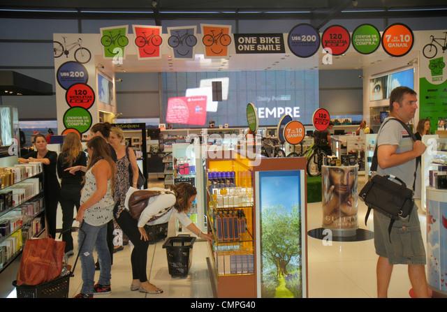 Uruguay Montevideo Carrasco General Cesáreo L. Berisso International Airport MVD Nuevo New Terminal duty-free - Stock Image