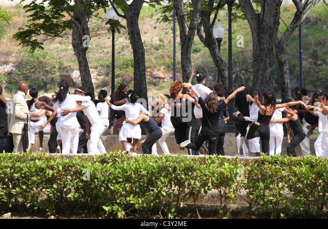 Young people dancing in Havanna in Cuba - Stock Image
