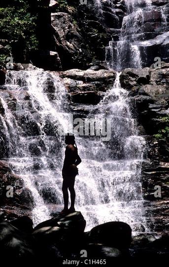 Venezuela, Canaïma area, Kavac waterfall, native indien: Pemones - Stock-Bilder