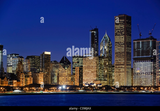 Downtown Chicago Skyline at dusk, Chicago, Illinois, USA - Stock Image
