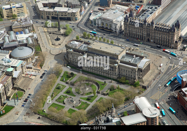 aerial view of Liverpool - St George's Hall, St John's Gardens, Wellington's Column, Line Street Station - Stock Image