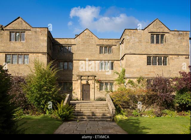 UK, England, Derbyshire, Eyam Hall - Stock Image