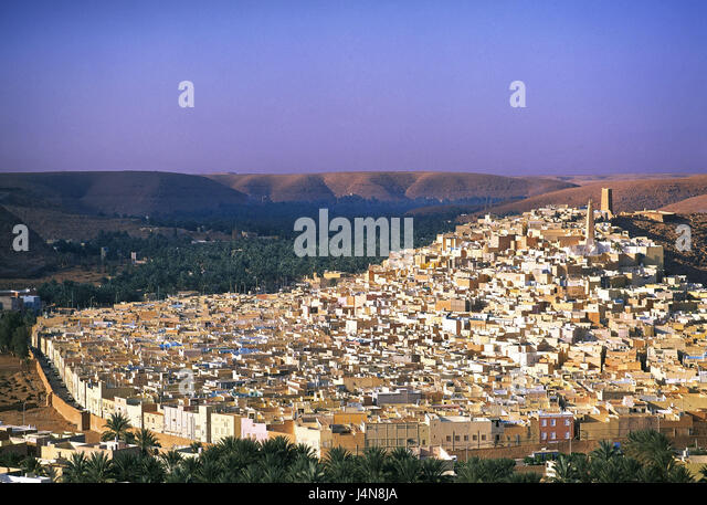 Algeria, Sahara, oasis town of Ghardaia, overview, Africa, North Africa, desert, town, houses, hills, scenery, environment, - Stock Image