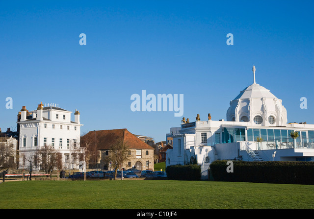 Royal Yacht Club and Wool House, Southampton Maritime Museum and Royal Pier, Thai Restaurant, Southampton, Hampshire, - Stock-Bilder