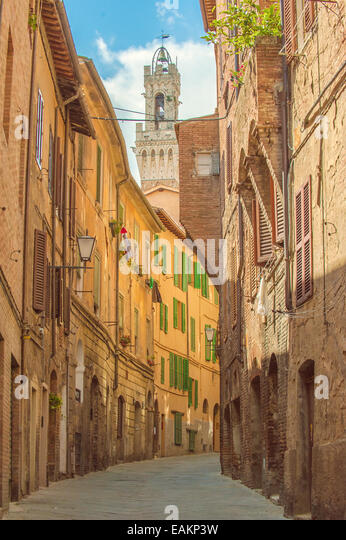 Twisted streets of Siena, Tuscany, Italy - Stock Image