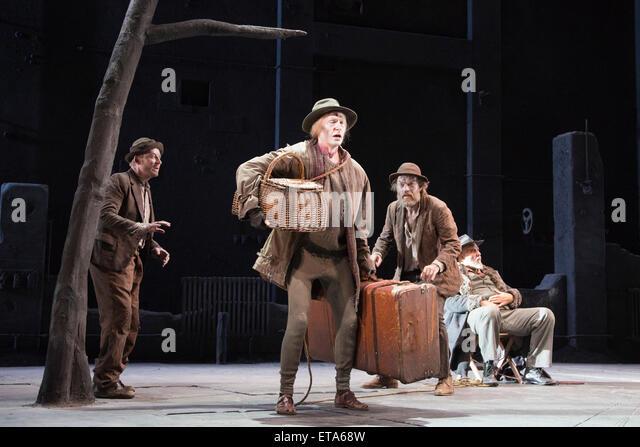 L-R: Richard Roxburgh as Estragon, Luke Mulllins as Lucky, Hugo Weaving as Vladimir and Philip Quast as Pozzo. Actors - Stock Image