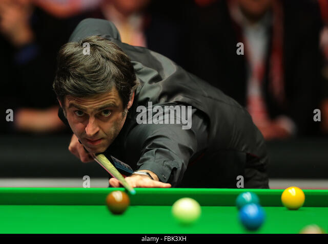Alexandra Palace, London, UK. 17th Jan, 2016. Masters Snooker. Finals. Ronnie O'Sullivan reacts during the final - Stock-Bilder