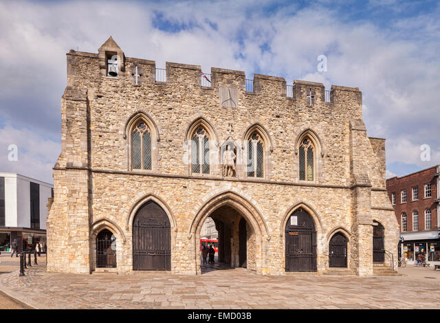 Bargate, a Grade 1 listed building in the centre of Southampton, constructed in Norman times as part of the city's - Stock-Bilder