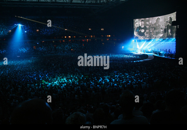 concert u2 stock photos concert u2 stock images alamy. Black Bedroom Furniture Sets. Home Design Ideas