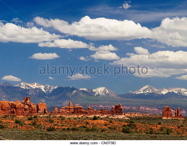 View across the desert, La Sal mountains, second tallest range of mountains in Eastern Utah - Stock Image