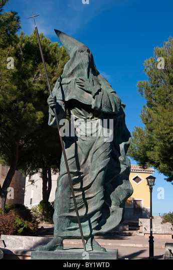 Brone Statue in the town of Cehegín, province Murcia Church of Santa María Magdalena and old quarter - Stock Image