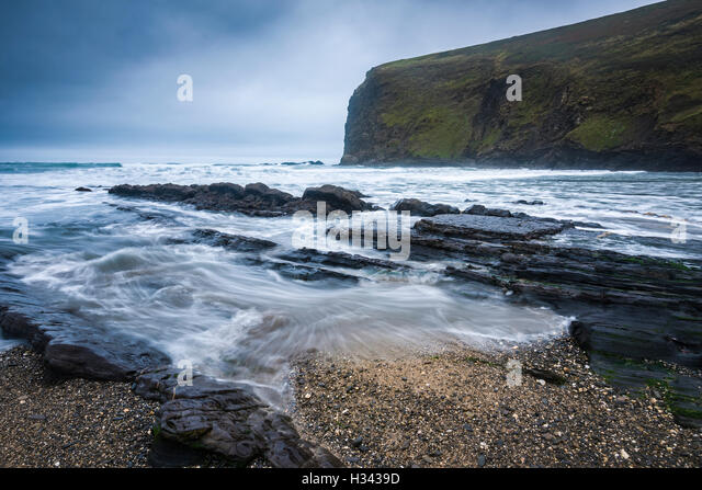 Crackington Haven Beach and Pencannow Point, Cornwall, England. - Stock Image
