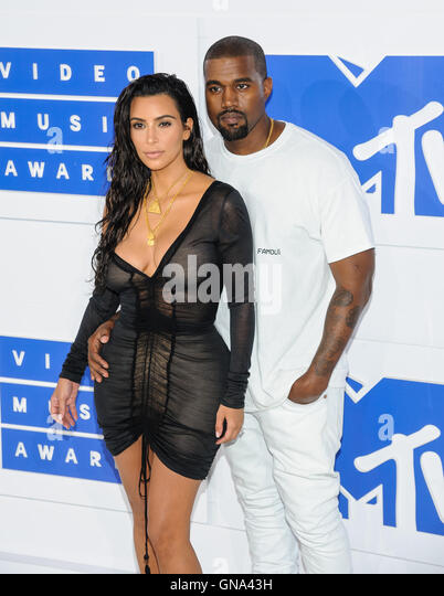 New York, NY, USA. 28th Aug, 2016.  Kim Kardashian West, Kanye West. 2016 MTV Video Music Awards at Madison Square - Stock-Bilder