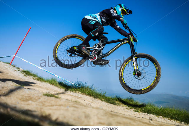 Nevis Range, Fort William, Scotland, UK. 5th June 2016. The worlds leading mountain bikers descend on Fort William - Stock-Bilder