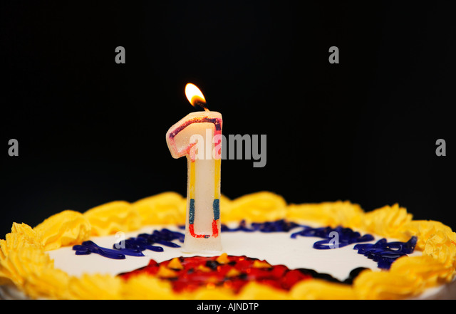 Pictures Of Birthday Cakes With Candles Lit : Birthdaycake Stock Photos & Birthdaycake Stock Images - Alamy