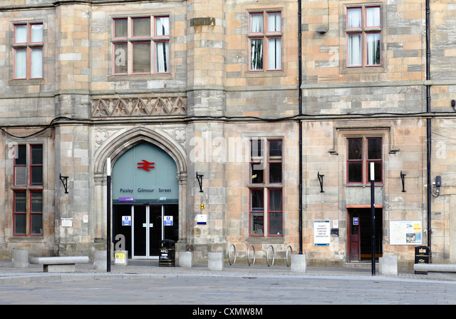 Entrance to and exit from Paisley Gilmour Street Train Station on County Square, Paisley town centre Renfrewshire - Stock Image