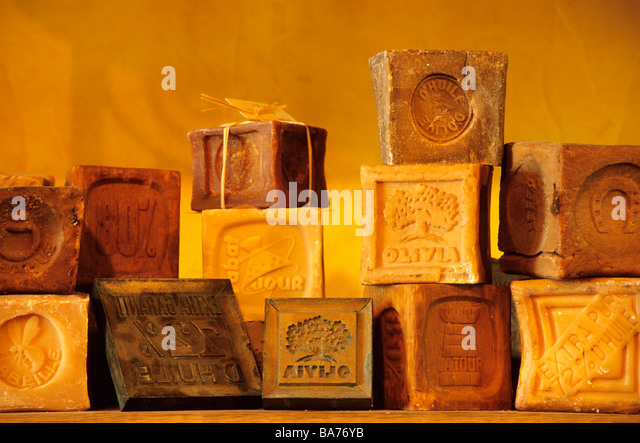 Savons stock photos savons stock images alamy for Salon de provence marseille