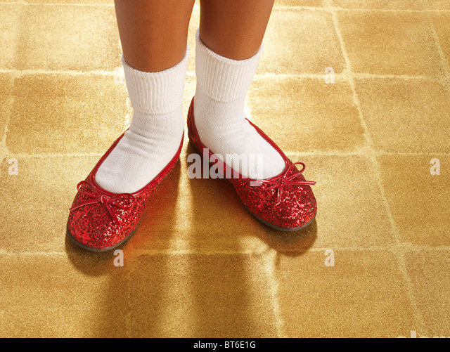 ruby red sequin slippers horizontal - Stock-Bilder