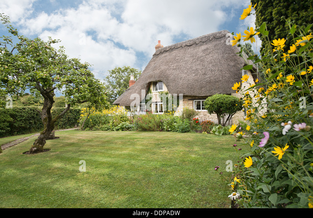 Thatched roof uk stock photos thatched roof uk stock for English country cottages