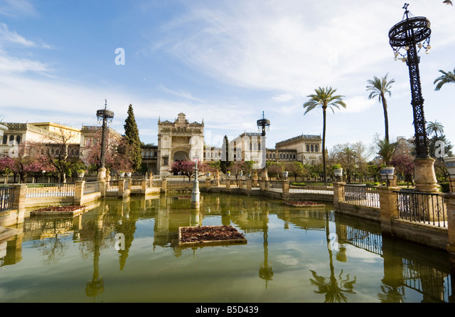 Neo Renaissance Pavellon, The Museum of Archaeology, Plaza de America, Parque Maria Luisa, Seville, Andalusia, Spain - Stock Image