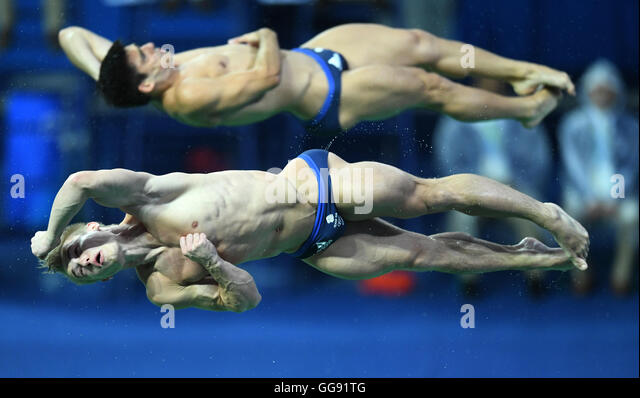 Rio de Janeiro, Brazil. 10th Aug, 2016. Chris Mears and Jack Laugher of Great Britain perform during the Men's - Stock-Bilder