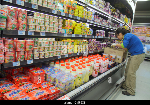 Santiago Chile Providencia Avenida Rancagua Express Lider grocery store supermarket food business shopping shelf - Stock Image