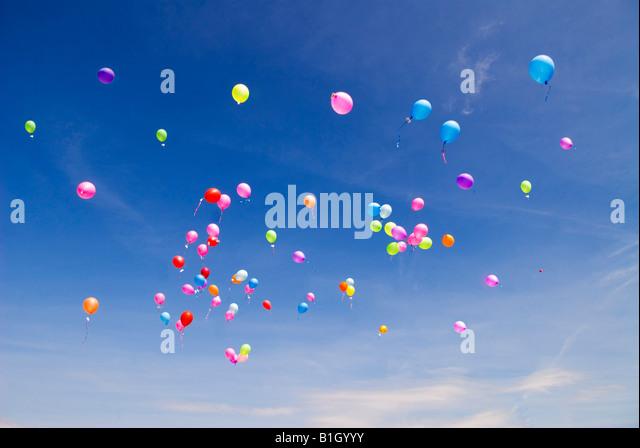 Release balloons stock photos release balloons stock for Heliumballons duisburg